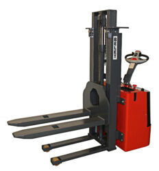 F 12APP - Fork-lift truck with electric travel and lifting(V100711)