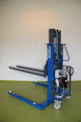 F 3ML2,5O/2000x560 dle P120/15/TU-Nepoužitý obkročný vyskozdvižný vozík.