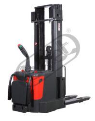 FX 15AP46/AC - vysokozdvižný vozík s AKU pojezdem a zdvihem-Vysokozdvižný vozík s AKU pojezdem a zdvihem, nosnost 1500 kg, triplex, max. zdvih 4600 mm, šířka vidlic 570mm, AC provedení